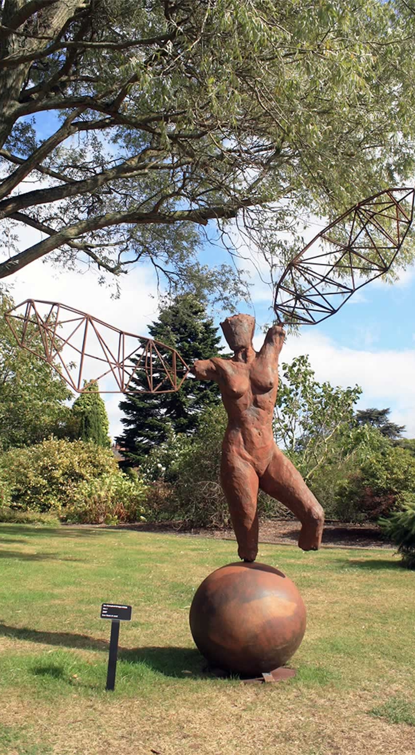 Arc I at Leicester Botanic Gardens (abstract figurative sculpture) by sculptor Ian Campbell-Briggs