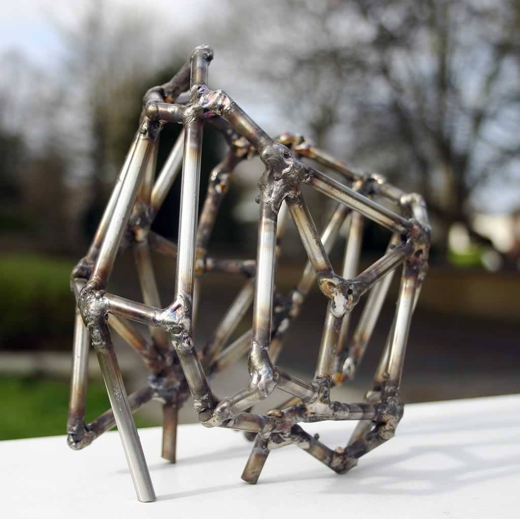 Callipyge (abstract sculpture) by sculptor Ian Campbell-Briggs
