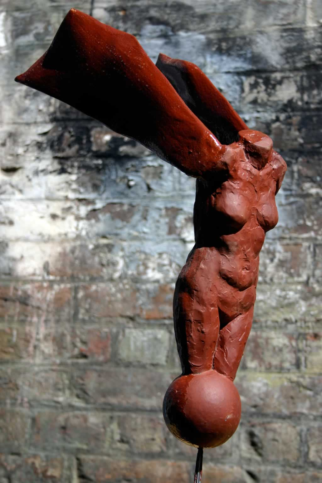 Fallen II (abstract figurative sculpture) by sculptor Ian Campbell-Briggs
