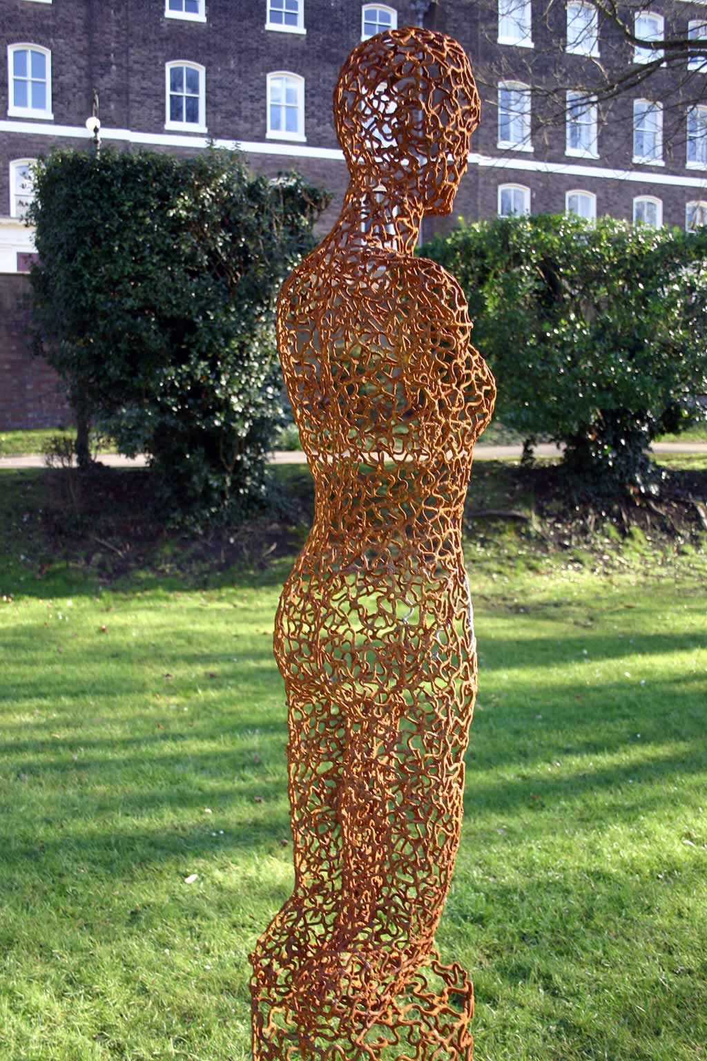 Jane (abstract figurative sculpture) by sculptor Ian Campbell-Briggs
