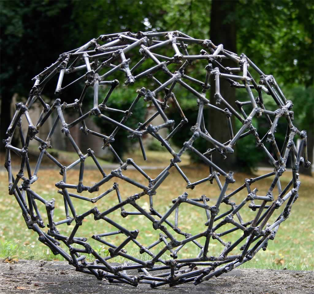 Labyrinth (abstract sculpture) by sculptor Ian Campbell-Briggs