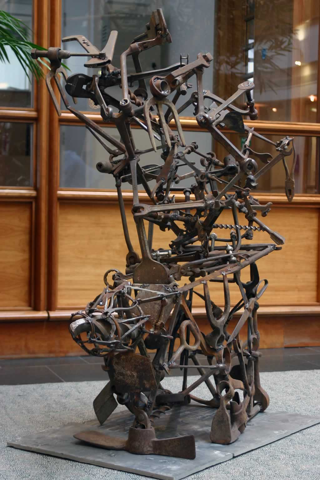 Völundarhús (abstract sculpture) by sculptor Ian Campbell-Briggs