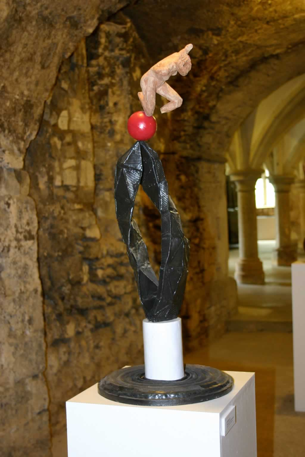 Vortex IV at Rochester Cathedral (abstract figurative sculpture) by sculptor Ian Campbell-Briggs